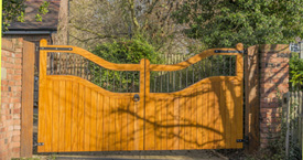 Swing gate repair in Woodland Hills